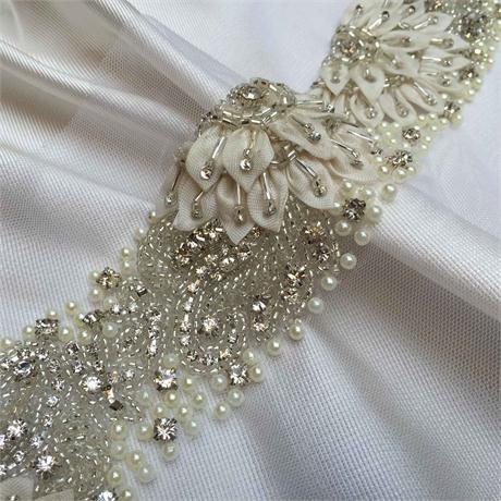 Crystal, Pearl & Ribbon Band Image 1