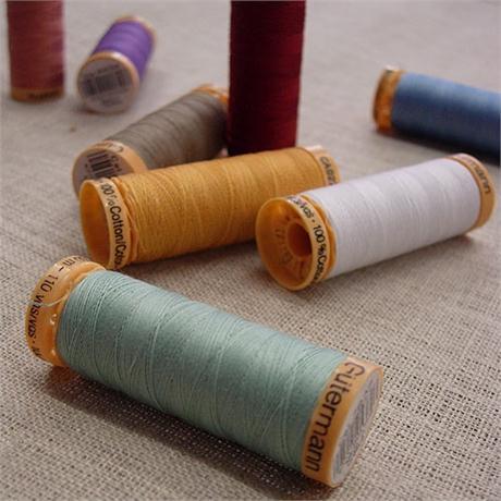 Gutermann Natural Cotton Image 1