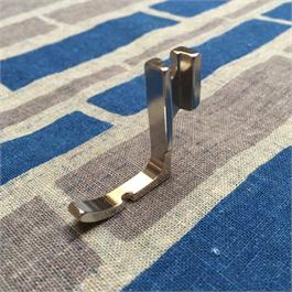 Right Hand Narrow Cording Industrial Zipper Foot Thumbnail Image 1