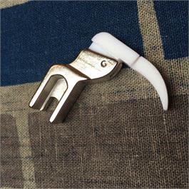 Right Hand Teflon Zipper Foot Thumbnail Image 1