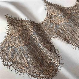 Fine French Deep Scallop Lace thumbnail