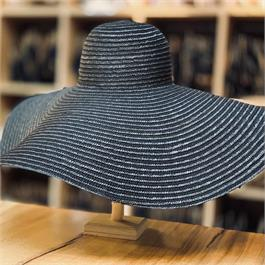 Large Brim Straw Braid Hat thumbnail