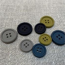 Italian Matt 4-Hole Button thumbnail
