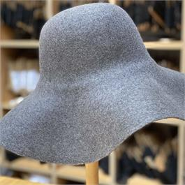 Portuguese Fine Merino Sheared Wool Capeline thumbnail