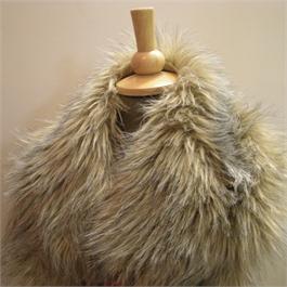 Large Fake Fur Collar thumbnail